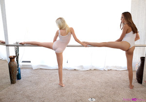 Kristina Bell, Piper Perri - Ballerina Beauties