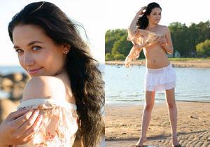 Olka - At The Beach 1 - Erotic Beauty