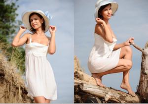 Suzanna A - Palmiye - MetArt