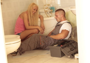 Vanda Lust - The Plumber - Viv Thomas