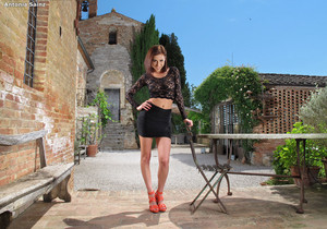 Antonia Sainz - InTheCrack