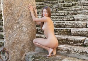 Presenting Monika F - Erotic Beauty