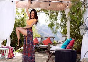 Vanessa Veracruz - Cabana Cutie - Holly Randall