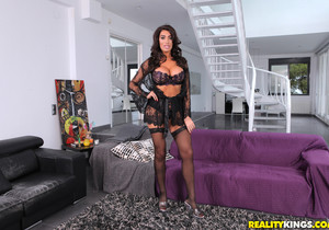 Ava Koxxx - Bold Beauty - Mike's Apartment