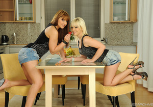 LesArchive - Bibi and Lana