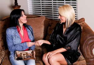 Rebeca Linares, Briana Blair - Girls Eating Girls