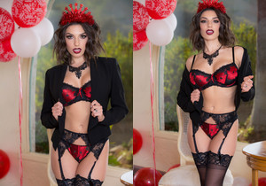 Darcie Dolce in stockings & high heels - Twistys