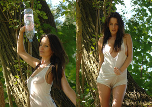 Helen - Back To Nature - Girlfolio