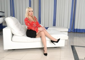 Christina Shine, Vinny Star - Criminal Rewards