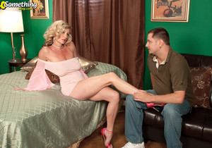 Cassy Torri - For The Record, Cassy Is Hot