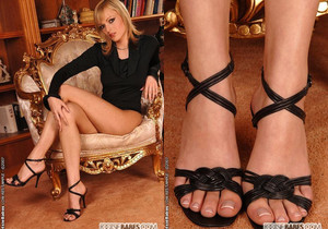 Bianca Golden - Footsie Babes