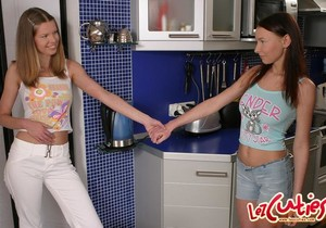 Lesbian Sex with Kelly & Meadow - Lez Cuties