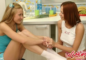 Wendy & Lis Toying Lesbians - Lez Cuties