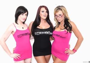 Jennifer White, Mackenzee Pierce & Nikki Sexx - Immoral Live