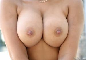 Makayla Cox - Shimmering Wet - Pure Mature