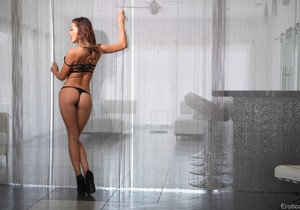 Danny Mountain & Alina Li - Erotica X