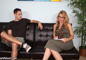 Desi Dalton: Step Mom Boot Camp - Family Lust