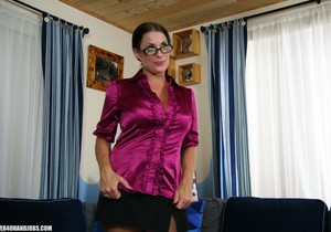 Goldie Blair Milf Handjobbery - Over 40 Handjobs