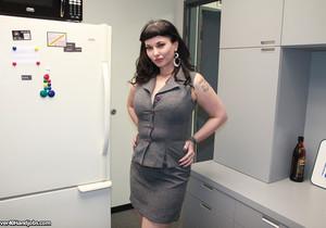 Carrie Ann - Human Facial Dispenser - Over 40 Handjobs