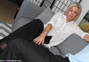 Payton Hall - To The Legs Of My Escort Lover