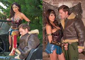 Horny Wonderwoman: Salacious Babe in Costume Fucked