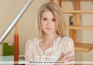 Innocent - Alisha - Femjoy