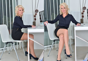 Luci Angel - Blonde Secretary - Anilos