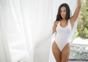 Amia Miley - Stretching Out Amia - Passion HD