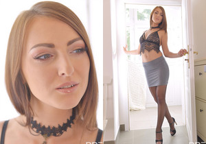 Katy Rose - College Babe's Got A Leg Fetish