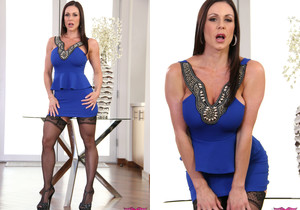 Brunette MILF Kendra Lust in Stockings