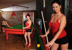 Britney, Sirale - Busty Billiards