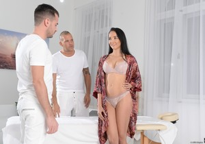 Francys Belle - Double Pounding Massage