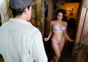 Valentina Nappi - The Italian Beauty - Fantasy Massage