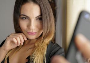 Lutro, Vanessa Decker - A Beautiful Memory - S27:E30