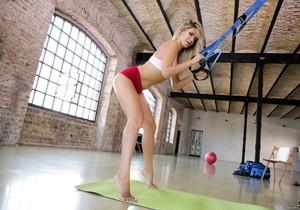 Mary Kalisy - Sexy Soft Feet Workout - 21Sextury