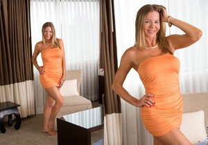 Amber Michaels - Mature And Frisky