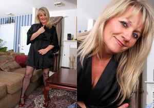 Bobbie Jones - Up Close And Personal