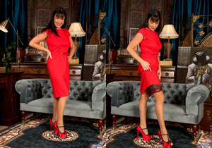 Elise Summers - Lady In Red