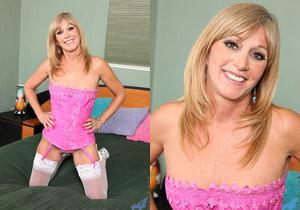 Jessica Sexxxton - Pink Corset