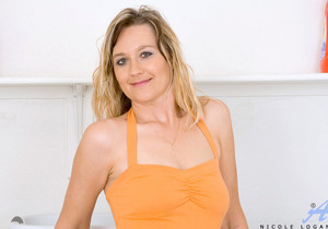 Nicole Logan - Laundry - Anilos
