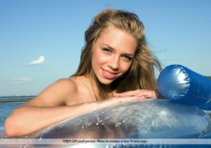 Get Wet - Beata D. - Femjoy