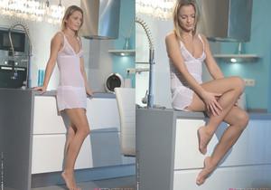 Kitchen Romance - Vanda Lust