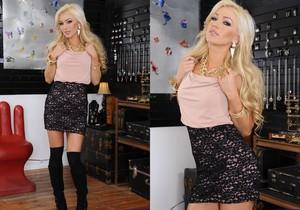 Cameron Dee - Naughty Rich Girls