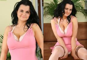 Reny - Karup's Older Women