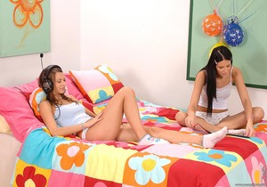 Cindy & Julya Bright - Euro Girls on Girls