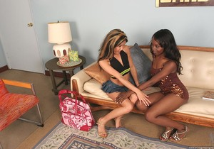 Ashley Brooks & Kitty - Euro Girls on Girls