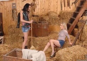 Lee Dia & Lolly Blond - Euro Girls on Girls