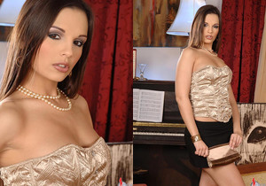 Carmen & Eve Angel - Euro Girls on Girls
