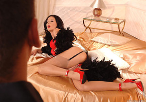 Lulu - Hot Legs and Feet