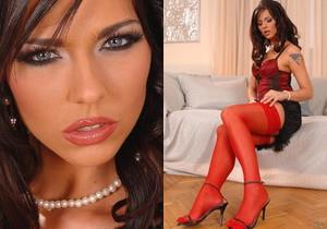 Simony - Hot Legs and Feet